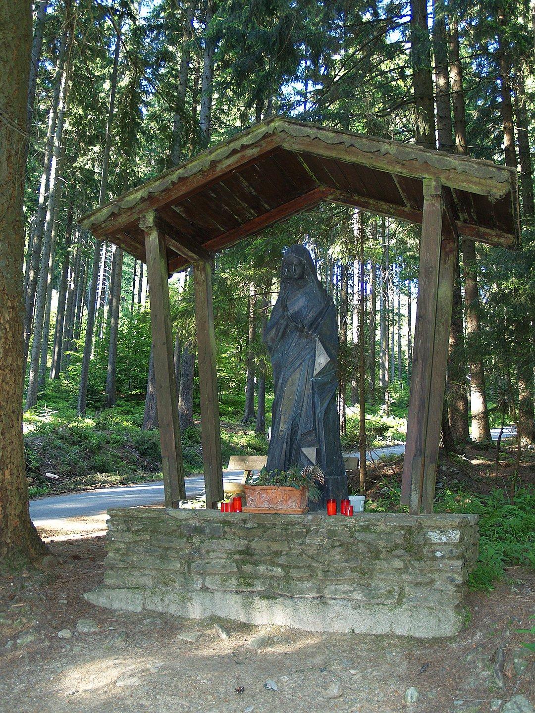 Madonna im Lambacher Wald