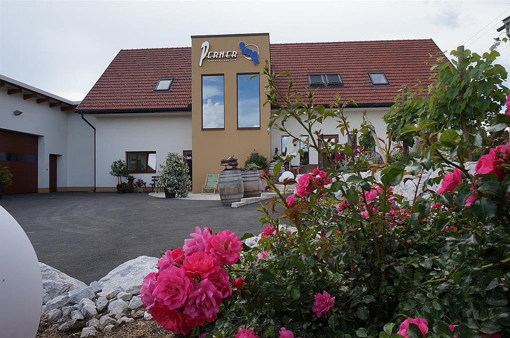 Weingut & Gästehaus Perner (W312)