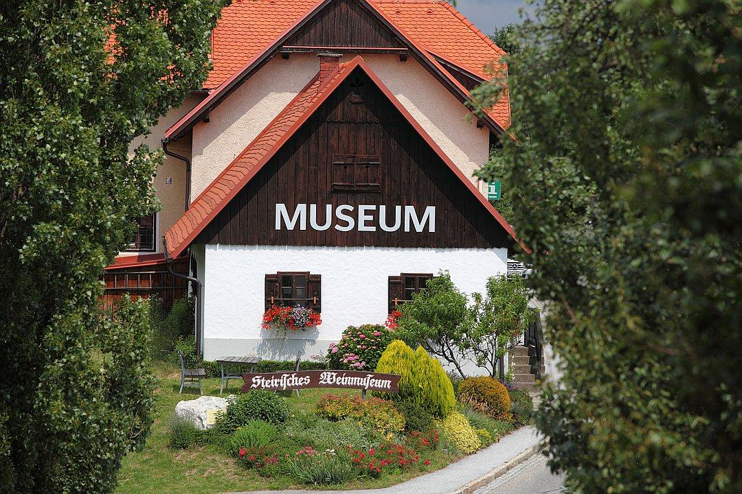 1. Steirisches Weinmuseum