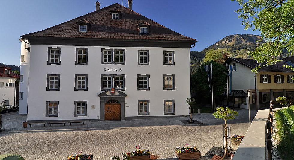 Rathaus / Schlossplatz Bad Hindelang